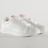 /achat-baskets-basses/fila-baskets-femme-crosscourt-2-low-1010900-white-coral-pink-209171.html