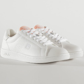 /achat-baskets-basses/fila-baskets-femme-crosscourt-2-low-1010900-white-coral-pink-209172.html