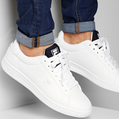 /achat-baskets-basses/fila-baskets-crosscourt-2-nt-1010929-white-fila-navy-209679.html