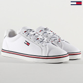 /achat-baskets-basses/tommy-jeans-baskets-femme-essential-lace-up-0786-white-210063.html