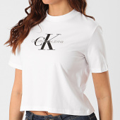 https://www.laboutiqueofficielle.com/achat-t-shirts/calvin-klein-tee-shirt-crop-femme-monogram-modern-3692-blanc-210667.html