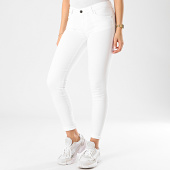 /achat-jeans/guess-jean-skinny-femme-w0ga37-d3xv2-blanc-dore-211342.html