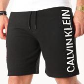 /achat-shorts-jogging/calvin-klein-jeans-short-jogging-5252-noir-211780.html