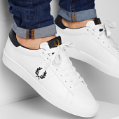 /achat-baskets-basses/fred-perry-baskets-spencer-leather-b8250-porcelain-212033.html