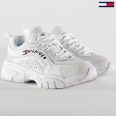 /achat-baskets-basses/tommy-jeans-baskets-femme-heritage-tommy-jeans-runner-0792-whit-211947.html