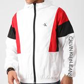 /achat-vestes/calvin-klein-jeans-veste-zippee-capuche-color-block-4982-blanc-212367.html