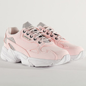 /achat-baskets-basses/adidas-baskets-femme-falcon-fv4660-halo-pink-trace-green-212920.html
