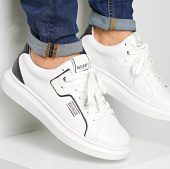 /achat-baskets-basses/guess-baskets-fm6salfal12-blanc-213506.html