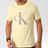 /achat-t-shirts/calvin-klein-tee-shirt-vegetable-dye-monogram-4762-jaune-pastel-213531.html