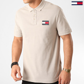 /achat-polos-manches-courtes/tommy-hilfiger-jeans-polo-manches-courtes-tommy-badge-7456-beige-213708.html