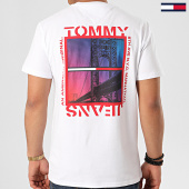 /achat-t-shirts/tommy-hilfiger-jeans-tee-shirt-back-photo-7855-blanc-213753.html