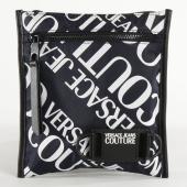 /achat-sacs-sacoches/versace-jeans-couture-sacoche-linea-logo-all-over-e1yvbb57-bleu-marine-213876.html