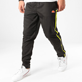 /achat-pantalons-joggings/ellesse-pantalon-jogging-a-bandes-doulish-see08702-noir-213904.html