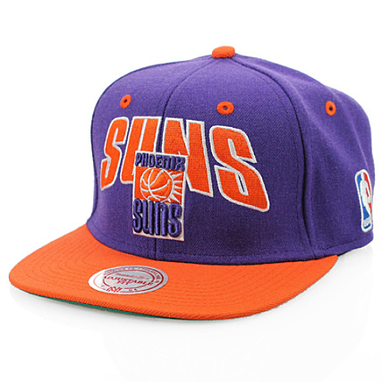d058674fbe580 Casquette Snapback Mitchell And Ness Phoenix Suns Flashsnap Violet Visiere  Orange - LaBoutiqueOfficielle.com