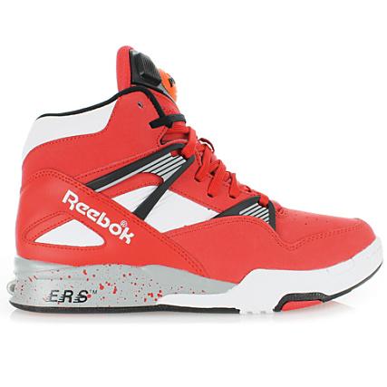 fa8020d48d7 Baskets Reebok Pump Omni Zone Retro Classic Red Black White Grey -  LaBoutiqueOfficielle.com