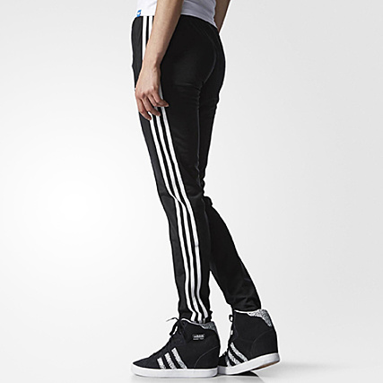 Home   adidas   Joggings   Pantalons Joggings   Pantalon Jogging Femme  adidas Slim Supergirl Noir e4a6e7a410cf