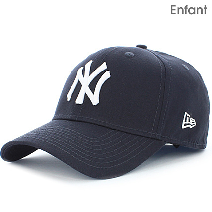 40c94e267cca New Era - Casquette Enfant 940 MLB League Basic New York Yankees 10877283 Bleu  Marine Blanc - LaBoutiqueOfficielle.com