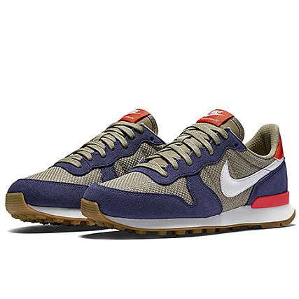chaussures de séparation 06b93 66944 Nike - Baskets Femme Internationalist Bleu Marine Ecru ...