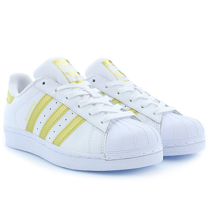 reputable site 43efb 74eab adidas - Baskets Femme Superstar BB2870 Footwear White Gold Metallic -  LaBoutiqueOfficielle.com