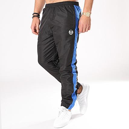d9dcc0f24ad Sergio Tacchini - Pantalon Jogging Avec Bandes Zakar Noir Bleu Roi -  LaBoutiqueOfficielle.com