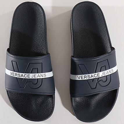 c41e866e5b4 Home   Versace Jeans   Baskets - Chaussures   Claquettes - Sandales    Versace Jeans - Claquettes Linea Mare Dis 1 E0GRBSH1 Bleu Marine