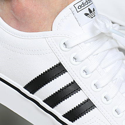 NIZZA Baskets basses footwear whitecore black