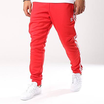 Dh5837 Rouge Jogging Adidas Avec Sst Bandes Pantalon 354RLjA