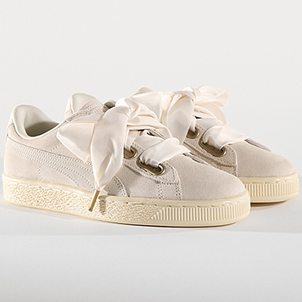 c84c4394f977 Puma - Baskets Femme Suede Heart Satin 362714 04 Whisper White Gold -  LaBoutiqueOfficielle.com