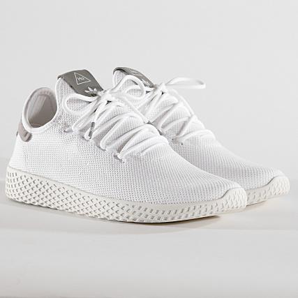 0db4848a4 adidas - Baskets Tennis HU Pharrell Williams B41793 Footwear White Chalk  White - LaBoutiqueOfficielle.com