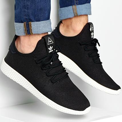 d37e8b7093963 adidas - Baskets Tennis HU Pharrell Williams AQ1056 Core Black Chalk White  - LaBoutiqueOfficielle.com