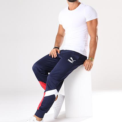 e2b2c6be10 Home > Puma > Joggings > Pantalons Joggings > Puma - Pantalon Jogging MCS  Track 576772 06 Bleu Marine Blanc Rouge