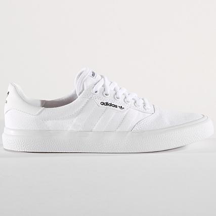 separation shoes 1985d d9955 Home  adidas  Baskets - Chaussures  Baskets Basses  adidas - Baskets  3MC Vulc B22705 Footwear White Gold Metallic
