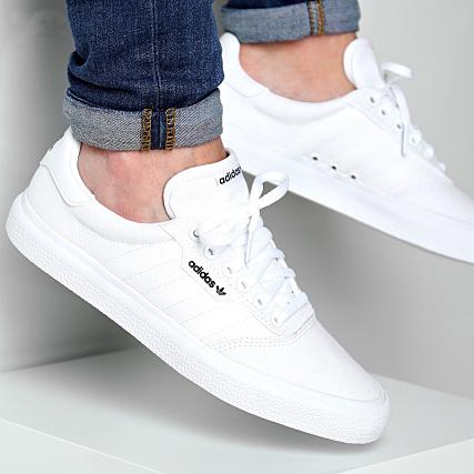 sale retailer 95e67 99cc6 adidas - Baskets 3MC Vulc B22705 Footwear White Gold Metallic -  LaBoutiqueOfficielle.com