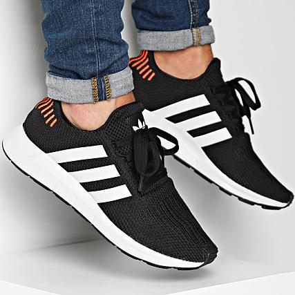6c41bfee7ffb adidas - Baskets Swift Run B37730 Core Black Footwear White -  LaBoutiqueOfficielle.com