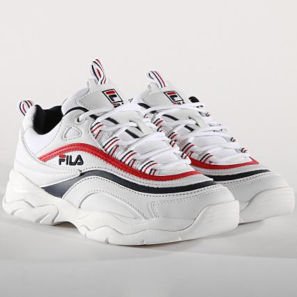 bd84dc98f28 Fila - Baskets Femme Ray Low 1010562 150 White Navy Red -  LaBoutiqueOfficielle.com