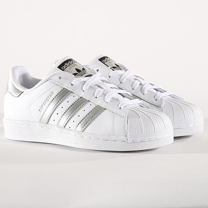 Chaussures Adidas Superstar Baskets Basses Femme AQ3091