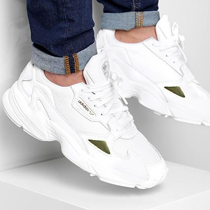 adidas - Baskets Falcon EE8838 Footwear White Gold Metallic ...