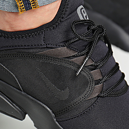 Nike PRESTO FLY WORLD Noir Chaussures Baskets basses Homme