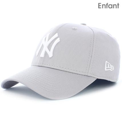7d617398d053 New Era - Casquette Enfant 940 MLB League Basic New York Yankees Gris Blanc  - LaBoutiqueOfficielle.com