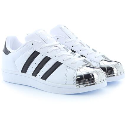 adidas - Baskets Femme Superstar Metal Toe BB5114 Footwear White Core Black Silver Metallic - LaBoutiqueOfficielle.com