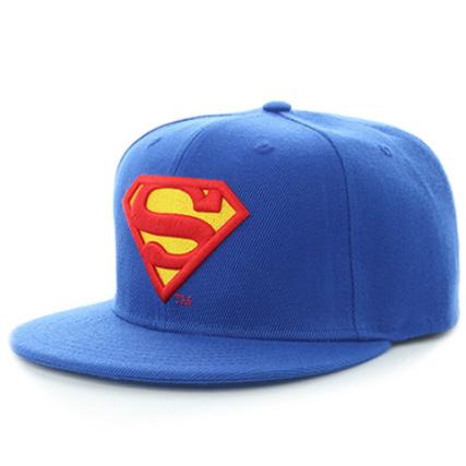 DC Comics - Casquette Snapback Classic Logo Superman Bleu Marine -  LaBoutiqueOfficielle.com 8b8ce8c26f8