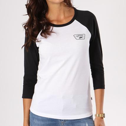 Vans - Tee Shirt Manches Longues Femme Full Patch A31PLYB2 Blanc Noir -  LaBoutiqueOfficielle.com 131f32d17bbf