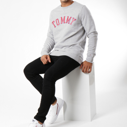 Pulls 5160 Hilfiger Jeans Chiné Graphic Gris Col Home gt; Crewneck Essential Tommy Sweats Rond Sweat 8wqEAI7nf